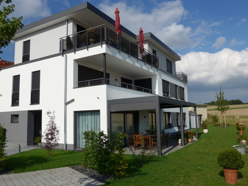 3 familienhaus in niederkleen bauunternehmen g. Black Bedroom Furniture Sets. Home Design Ideas